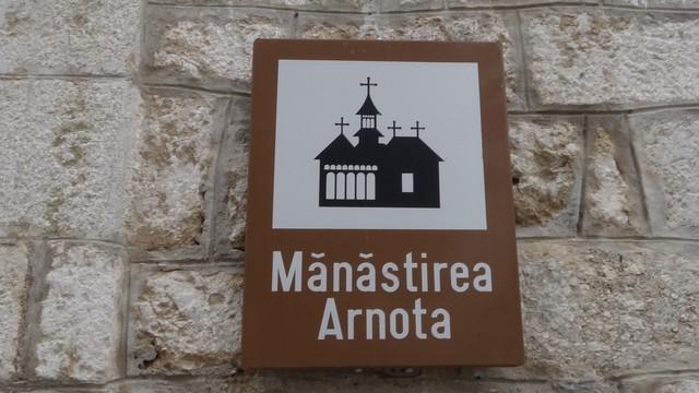 Manastirea Arnota _blog 02